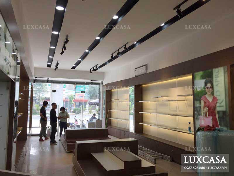 Thời gian thiết kế thi công nội thất showroom shop cửa hàng